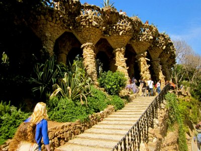 Students visit Parc Guell