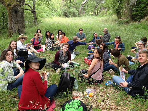 IAU students enjoying a picnic during their Field Study